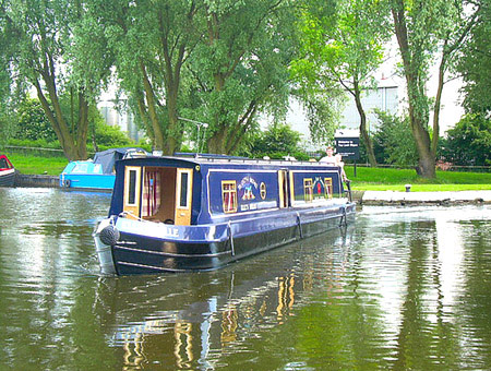 image of Canal Lunch Cruise with Wine for Two